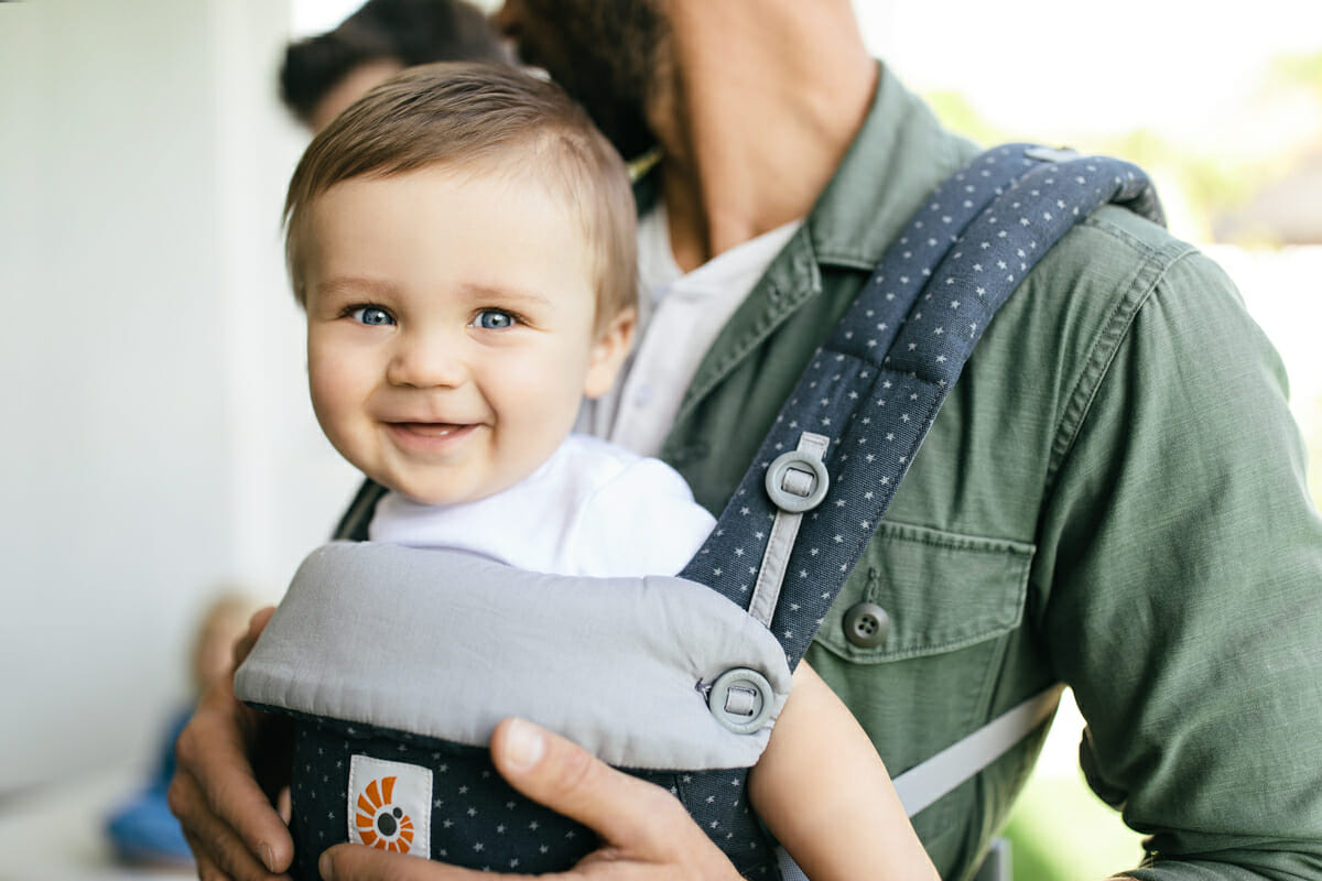 What To Know Before You Use A Baby Carrier Ergobaby Ergobaby Blog